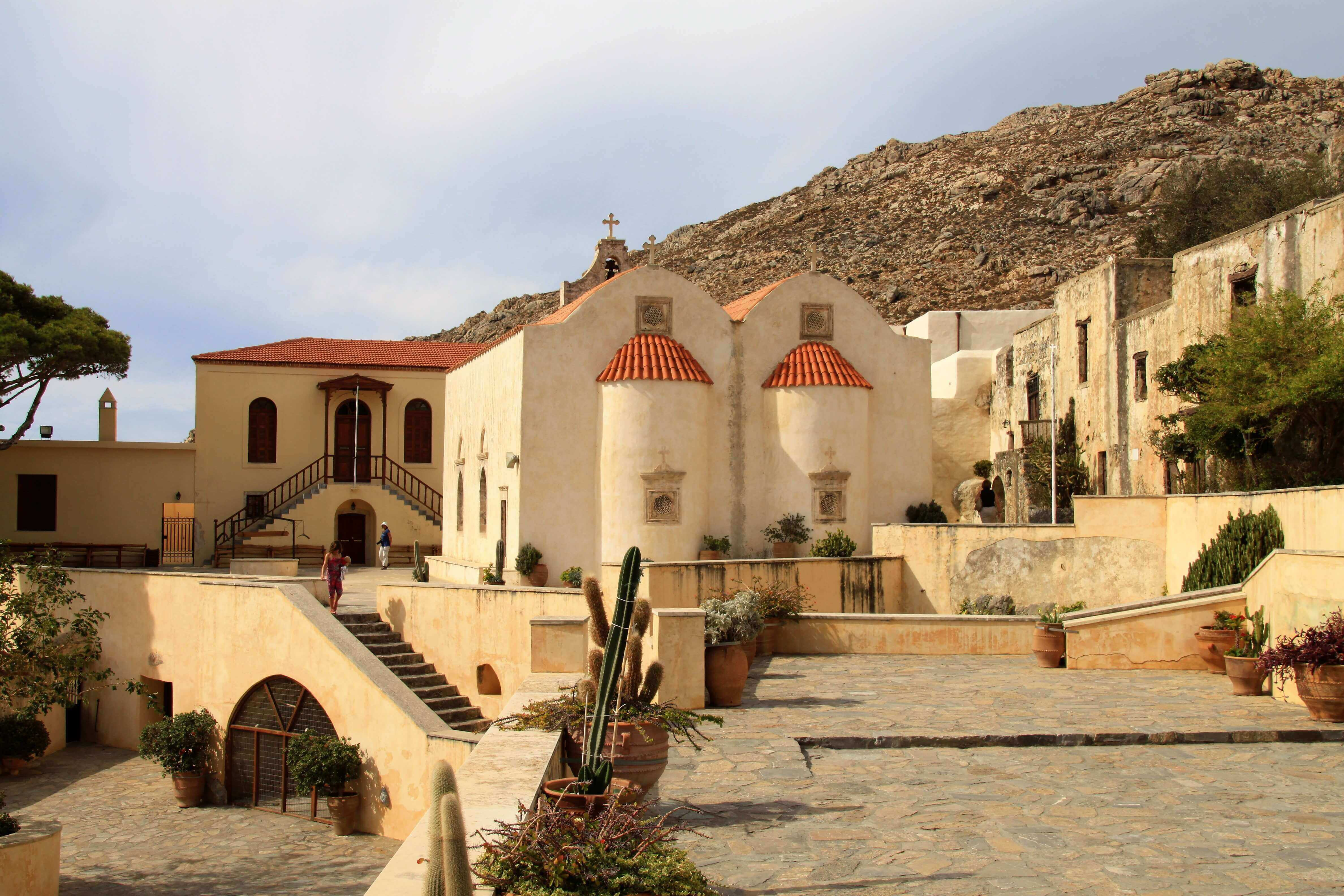 SingleTrips - preveli monastery